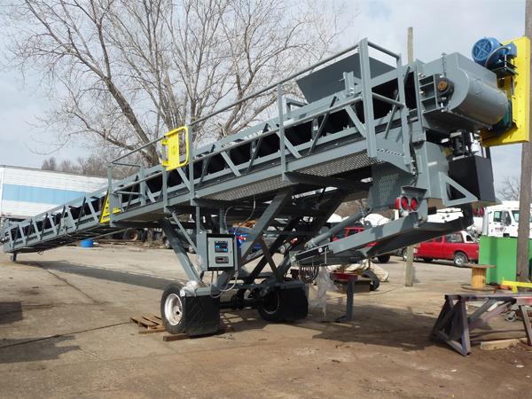 industrial conveyor systems for grain fertilizer wood chips